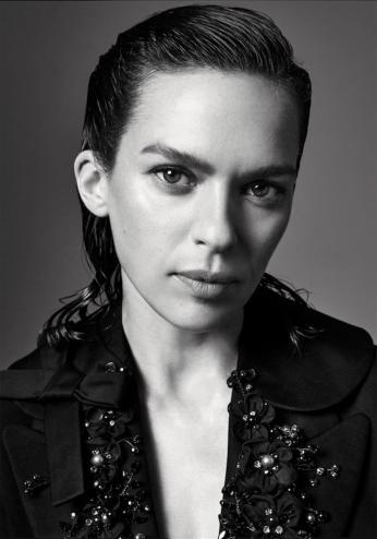 Elise Crombez by Alexandra Nataf